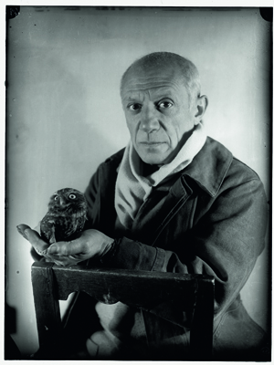 PABLO PICASSO (1881 - 1973) Photographié par Michel Sima, en 1946 à Antibes. Collection Würth, inv. 7166.